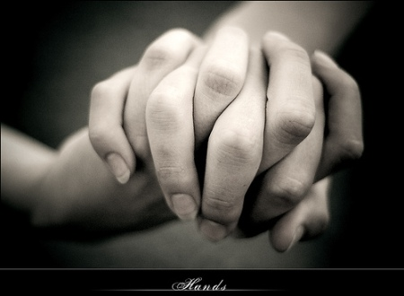 holding_hands-1418